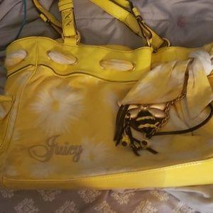 Juicy contour purse